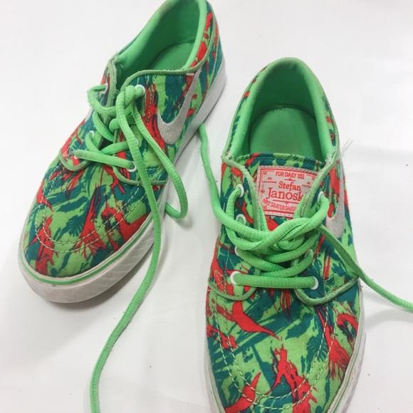4aa1e4a1f59 Limited Edition Nike SB Stefan Janoski Shoes. M 5b48e80112cd4a81557816e7